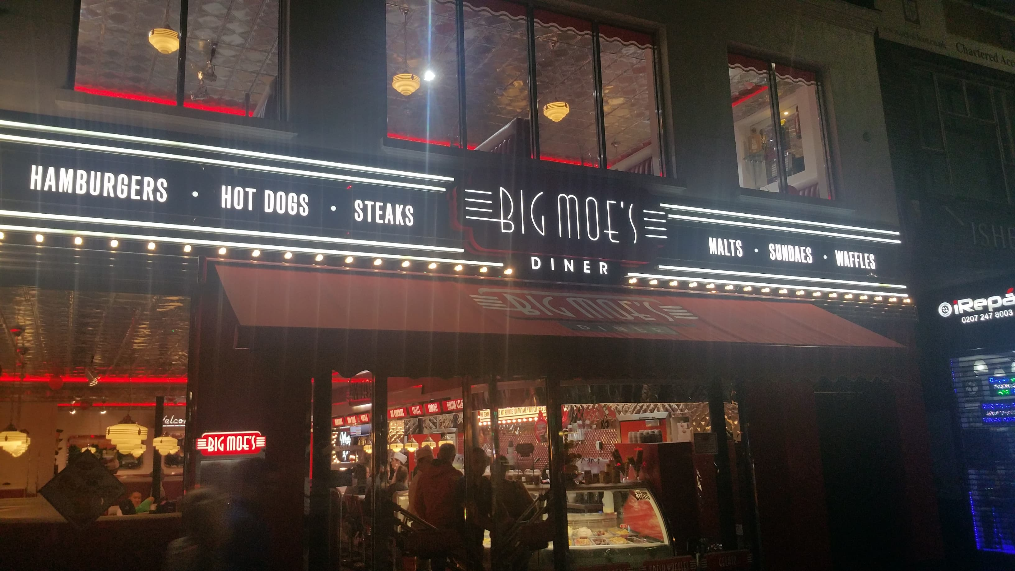 Big Moe's Diner - London London - HMC Certified Halal Food Gastronomy